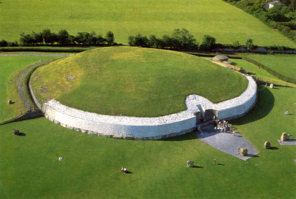 http://beautifulmeath.com/wp-content/uploads/2013/05/Newgrange-image.jpg